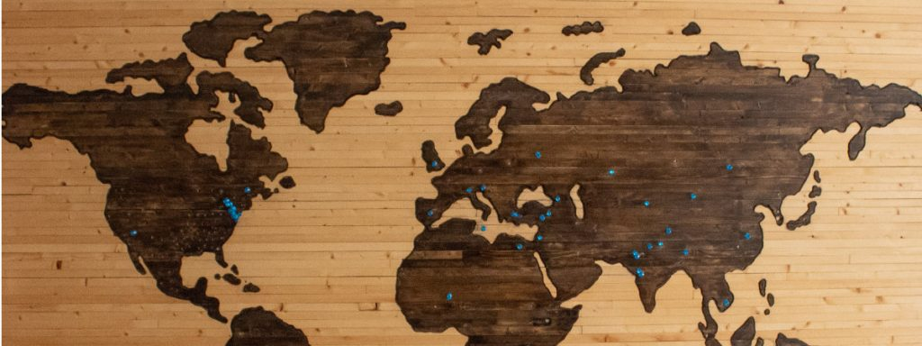wooden world map 1024x384 - Euthanasie - Ist das legal?
